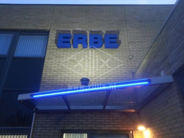 glazen luifel met rvs en blauwe ledverlichting xillix.nl