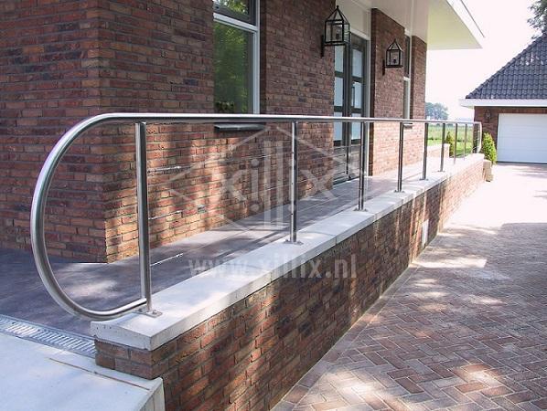 moderne balustrade met rvs spankabels voor buiten