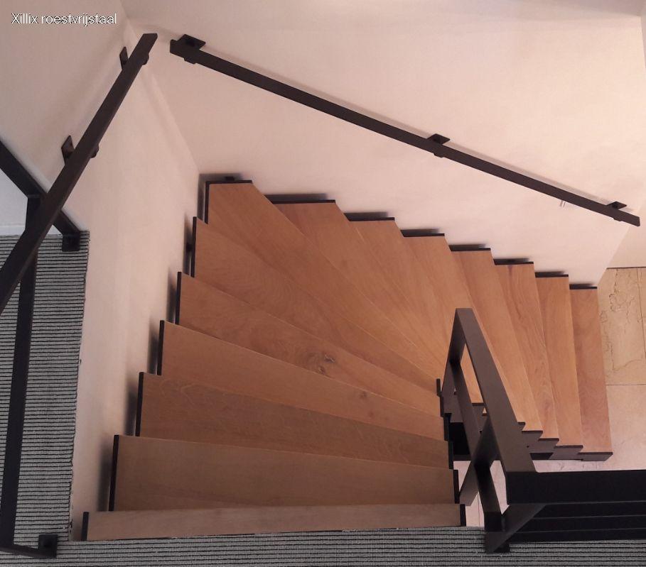 Xillix_moderne_stalen_design_trap_17-0358.jpg