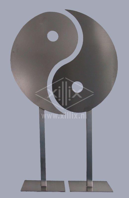 yin-yang object van rvs xillix.nl