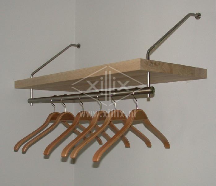 kapstok met rvs beugels en massief houten hoedenplank xillix.nl