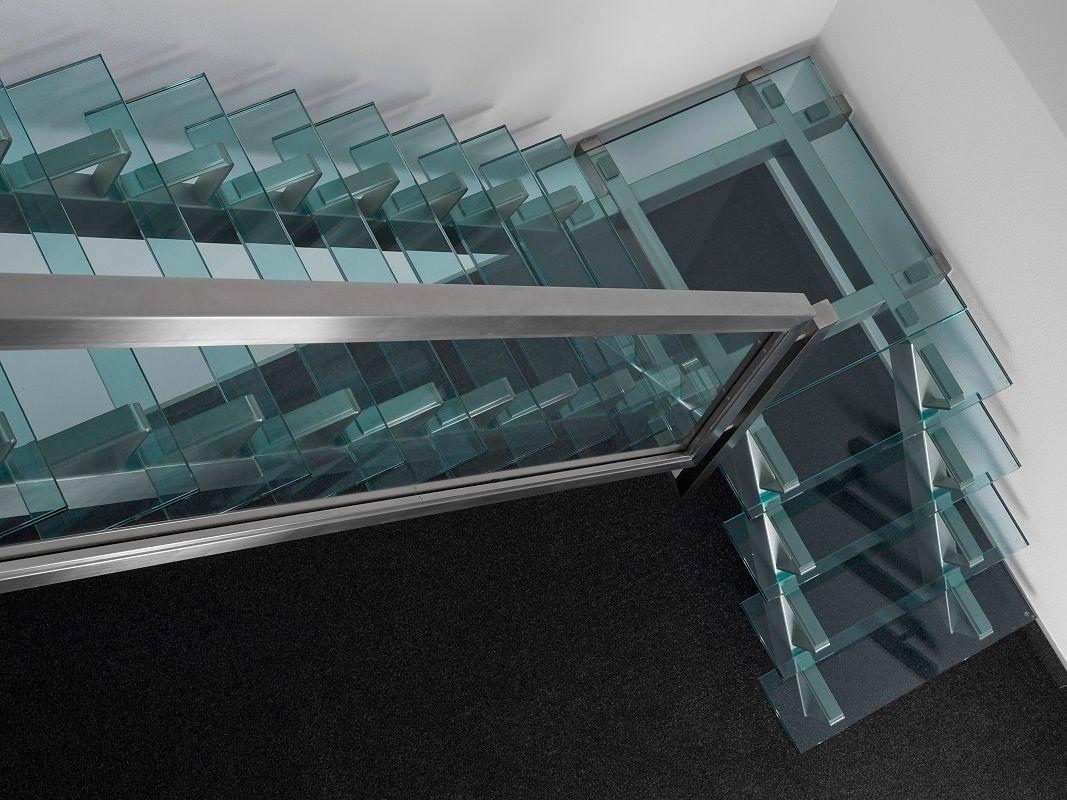 Xillix-rvs-glazen-trappen.jpg